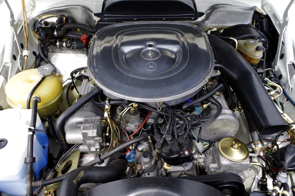 Der V8 ist 3,8 Liter groß
