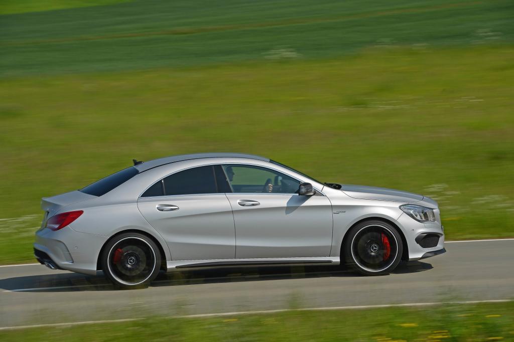 Der Vierzylinder-Turbo wird, wie bei AMG üblich, in reiner Handarbeit von nur einem Motorenbauer montiert