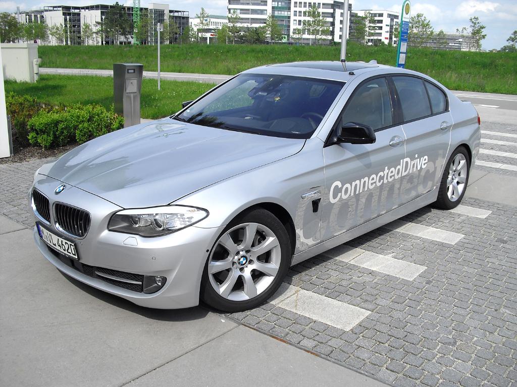 Dieser 5er-Prototyp von BMW ist vollgestopft mit Technik für automatisiertes Fahren.