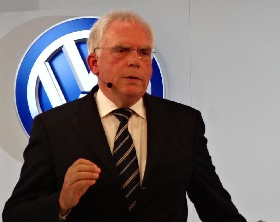 Dr. Ulrich Hackenberg.