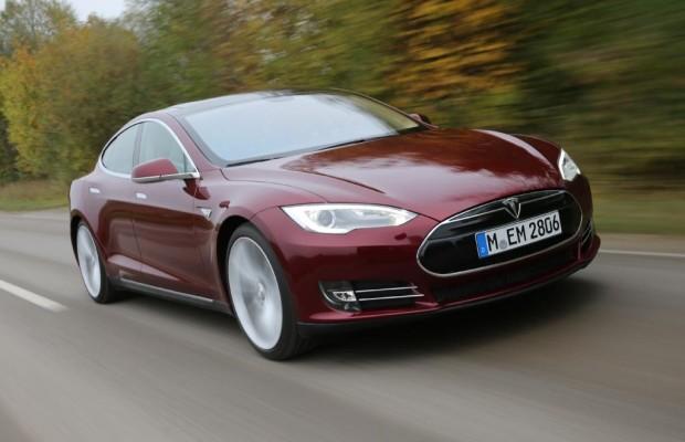 Elektroauto Tesla Model S - Voller Akku in 90 Sekunden