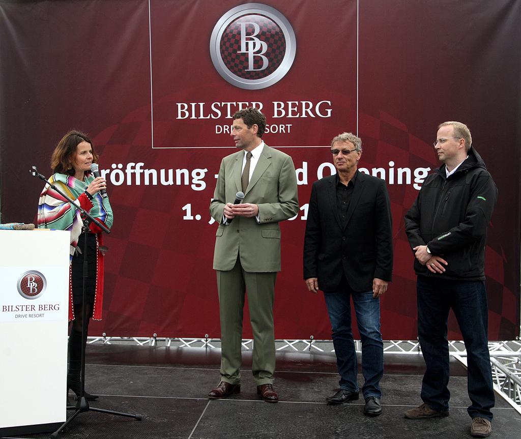 Eröffnung: (von links) Moderatorin Nicola Gräfin Dönhoff, Initiator Marcus Graf von Oeynhausen-Sierstorpff, Planer Hermann Tilke, Geschäftsführer Hans-Jürgen von Glasenapp