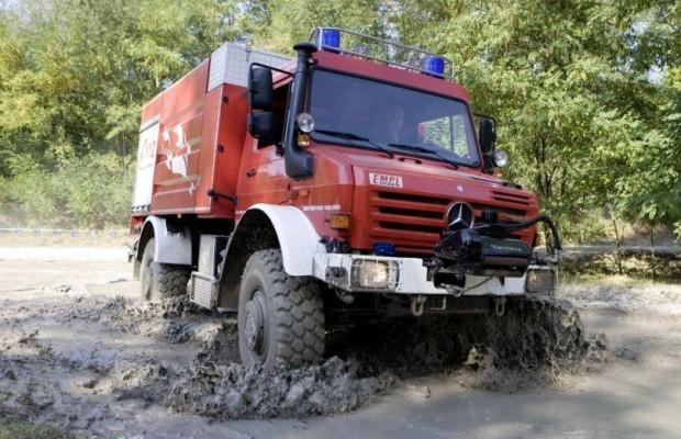 Hochwasserschaden am Auto: Was die Versicherung übernimmt