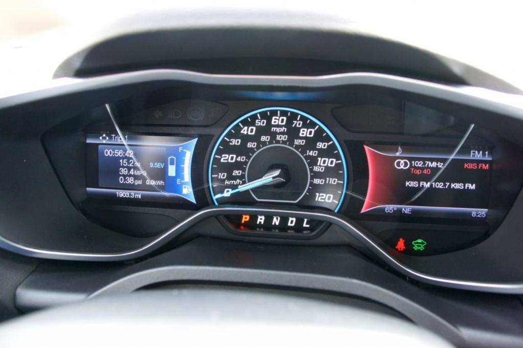 Im Zentralinstrument gibt es spezifische E-Auto-Anzeigen