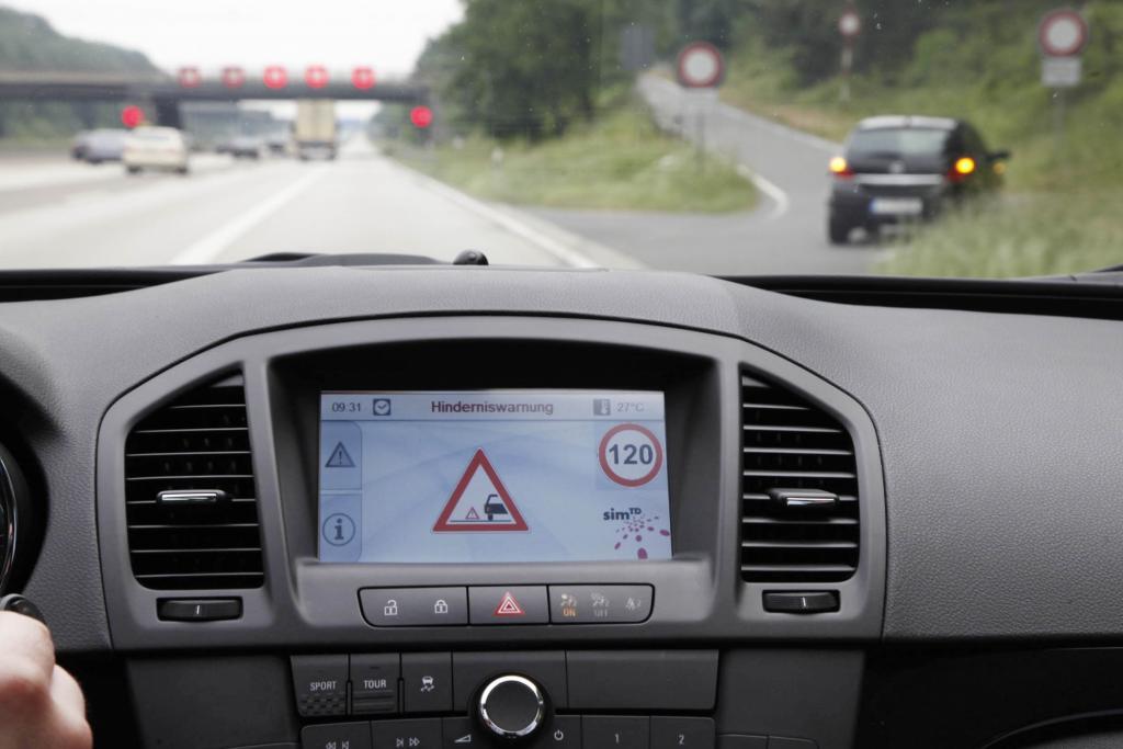 Intelligente Autos und Straßen - Pilotversuch attestiert Serienreife