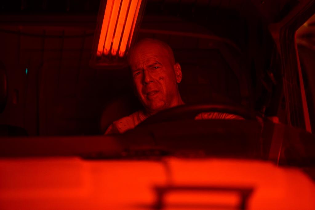 Interview mit John McClane - Larry Rippenkroeger übernimmt, wenn es Bruce Willis zu gefährlich wird