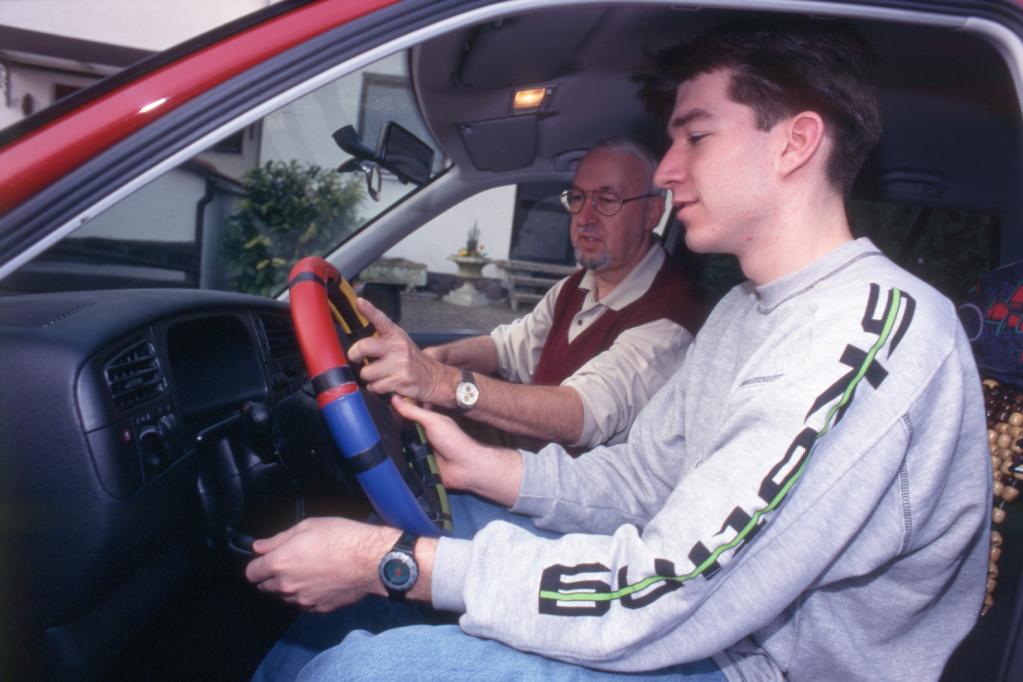 Jugendliche für begleitetes Fahren ab 16 Jahren