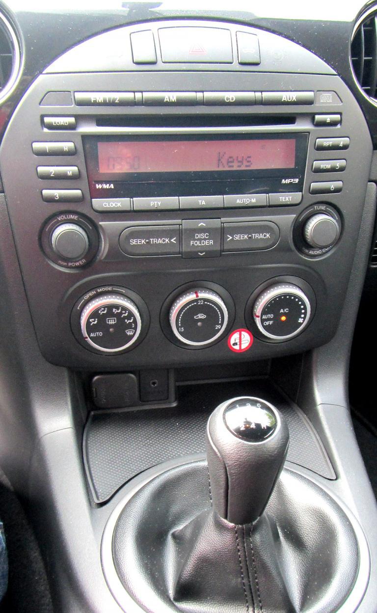 Mazda MX-5: Blick auf den mittleren Armaturenträger.