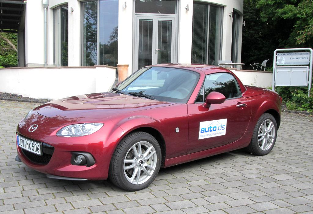 Mazda MX-5, hier als Roadster Coupé mit 93/126 kW/PS.