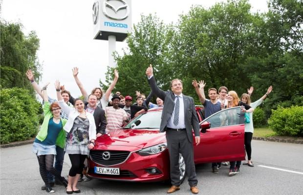Mazda spendet 30 000 Euro an SOS-Kinderdorf