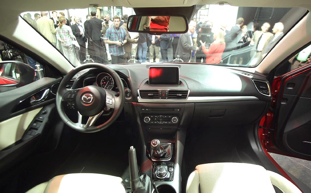 Mazda3: Blick ins Cockpit.