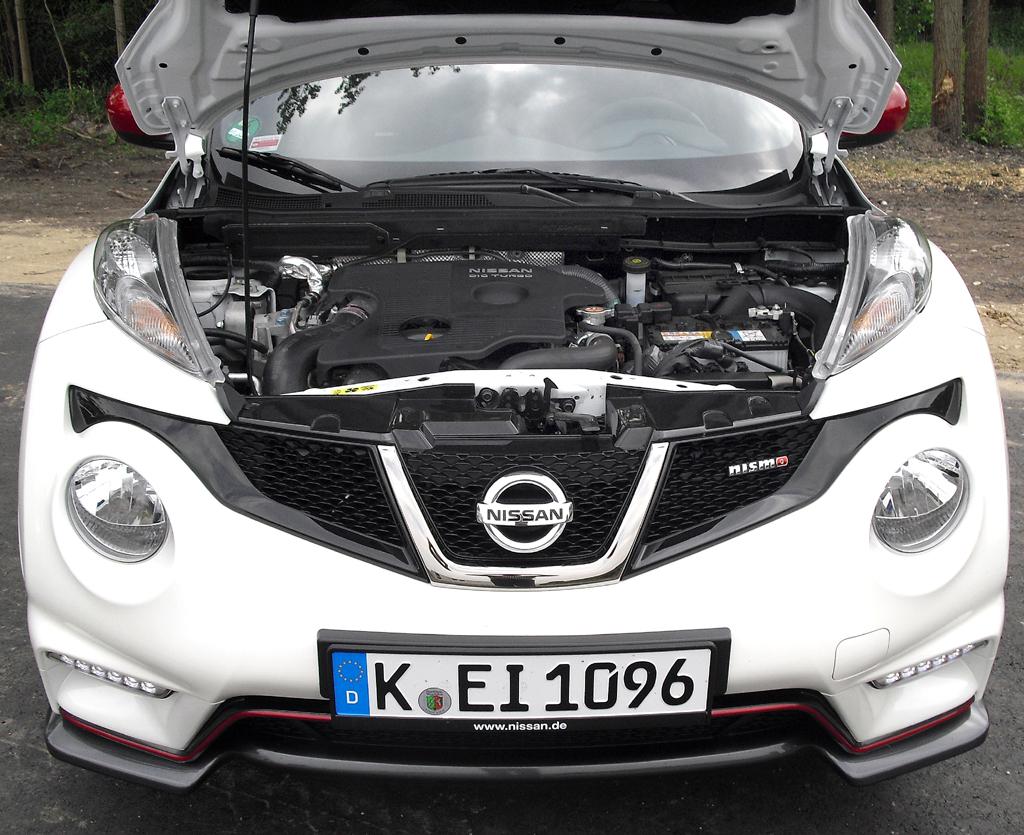 Nissan Juke Nismo: Blick auf den 1,6-Liter-Vierzylinder-Turbobenziner mit 147/200 kW/PS.