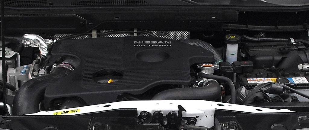 Nissan Juke Nismo: Blick unter die Haube auf den 1,6-Liter-Turbobenziner mit 147/200 kW/PS.