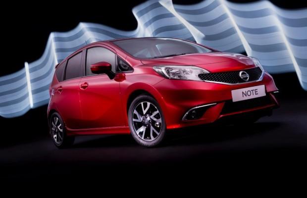 Nissan: Selbstreinigende Heckkamera