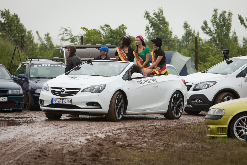 Opel Treffen 2013 - Regen, Blitze und viel gute Laune