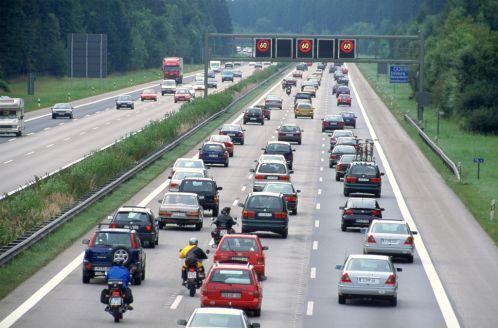 Pkw-Verkehr bringt mehr Nutzen als Kosten