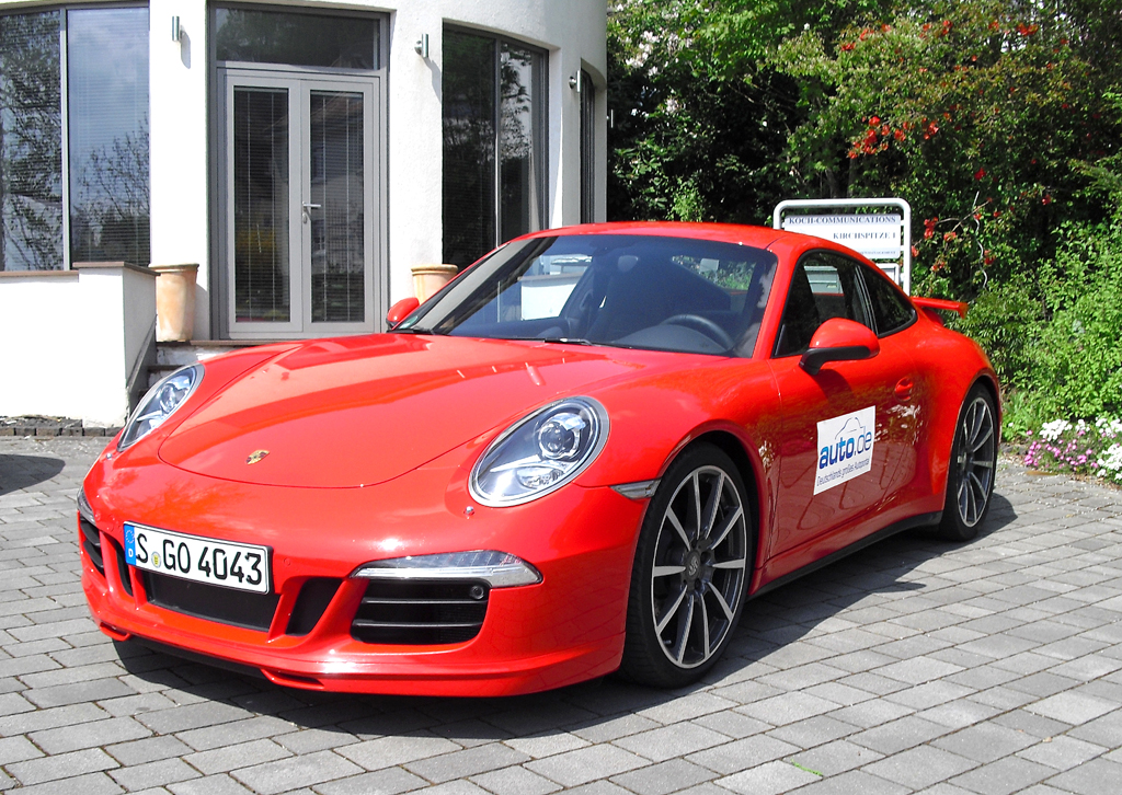 Porsche 911 Carrera, hier als Allradversion mit 257/350 kW/PS.