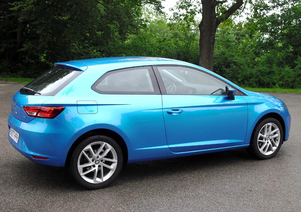 Seat León SC: Moderne Leuchteinheit hinten mit (Diesel-)Motorisierungsschriftzug.