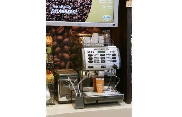 Studie zum Fahrverhalten - Kaffeepause auf langen Strecken