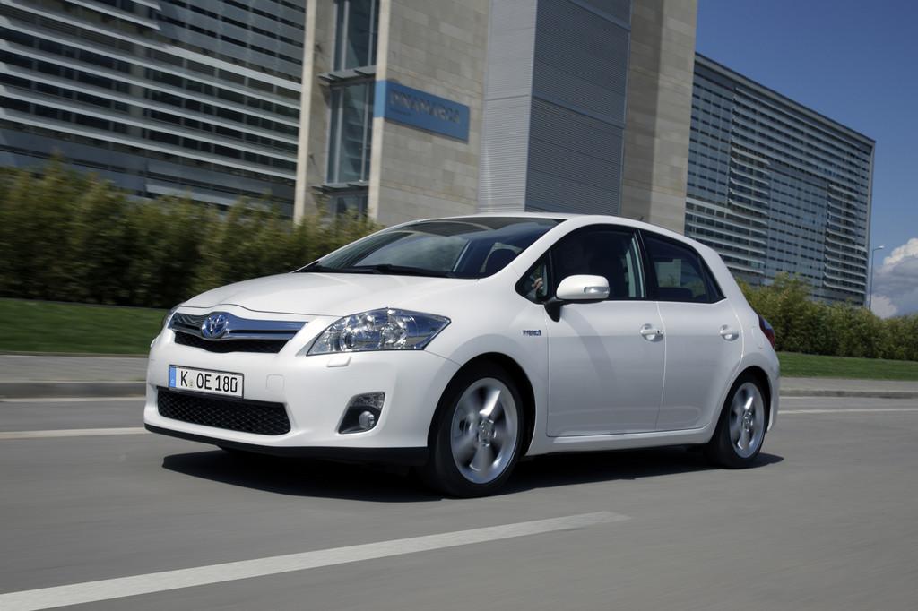 Toyota Auris Hybrid glänzt im Dauertest