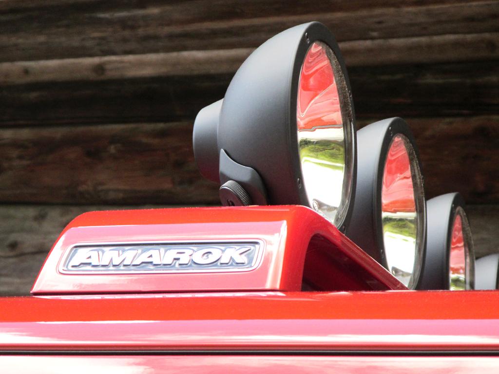 VW Amarok Canyon: Der Lampenbügel auf dem Dach kostet extra.