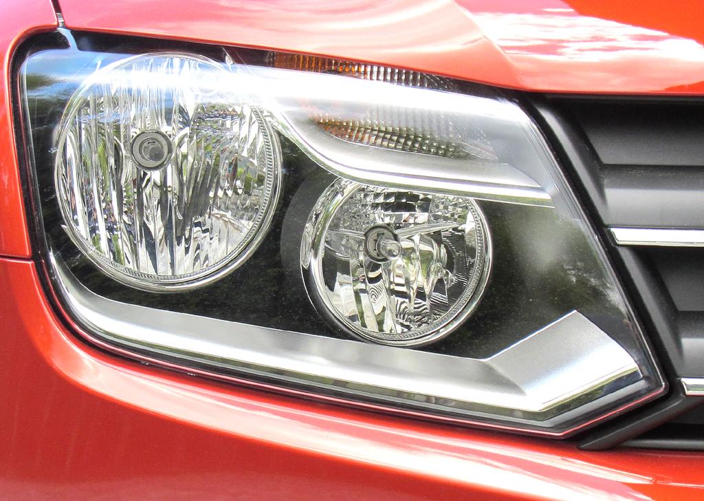 VW Amarok Canyon: Moderne Leuchteinheit vorn.