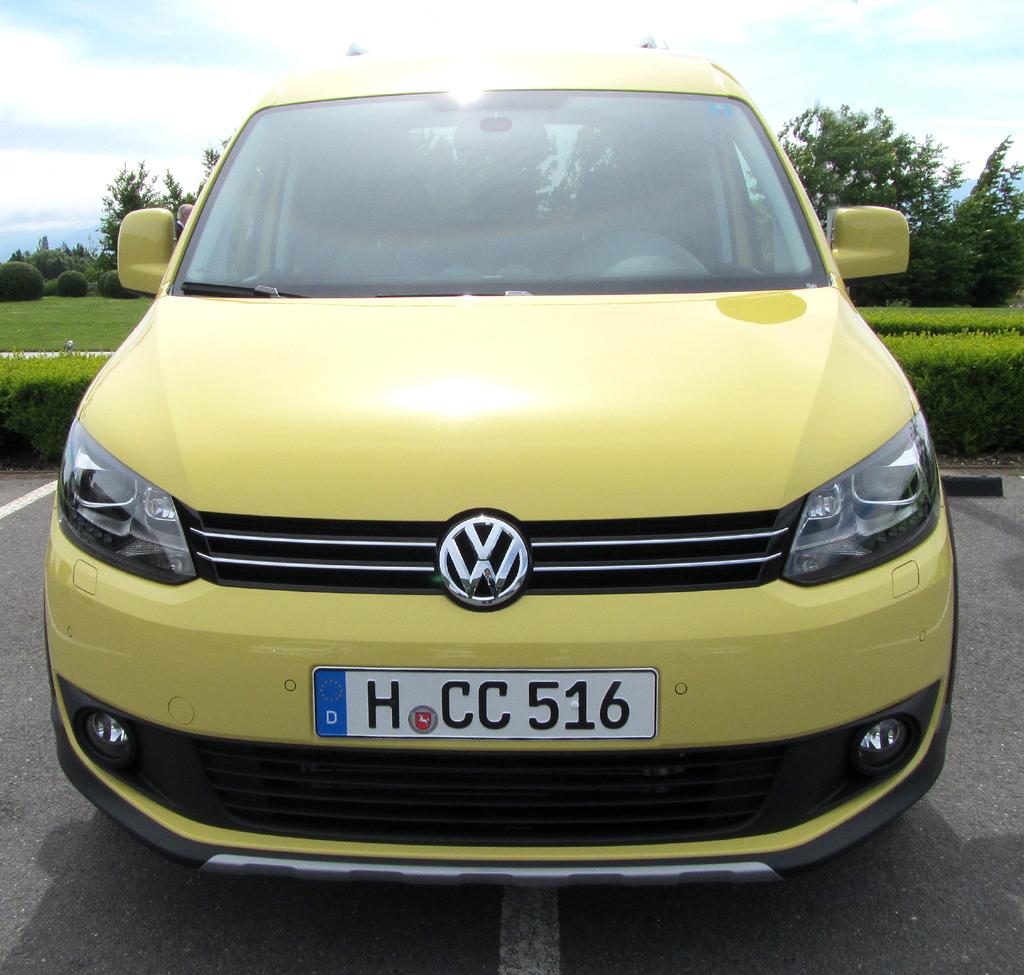 VW Cross Caddy: Blick auf die Frontpartie.