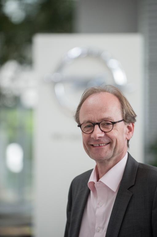 Wie nutzen Autohersteller soziale Netzwerke?: auto.de im Gespräch mit Dietmar Thate, Social Media, Opel