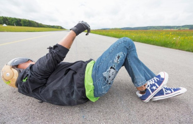 ADAC-Test - Auch Rollerfahrer brauchen Schutzkleidung