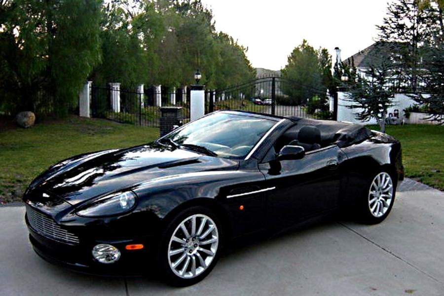 Aston Martin V