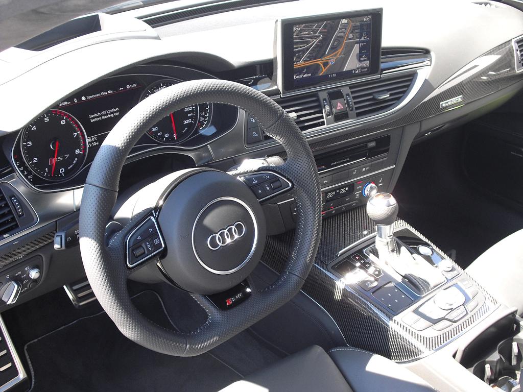 Audi RS7 Sportback: Blick ins sportlich-funktionelle Cockpit.
