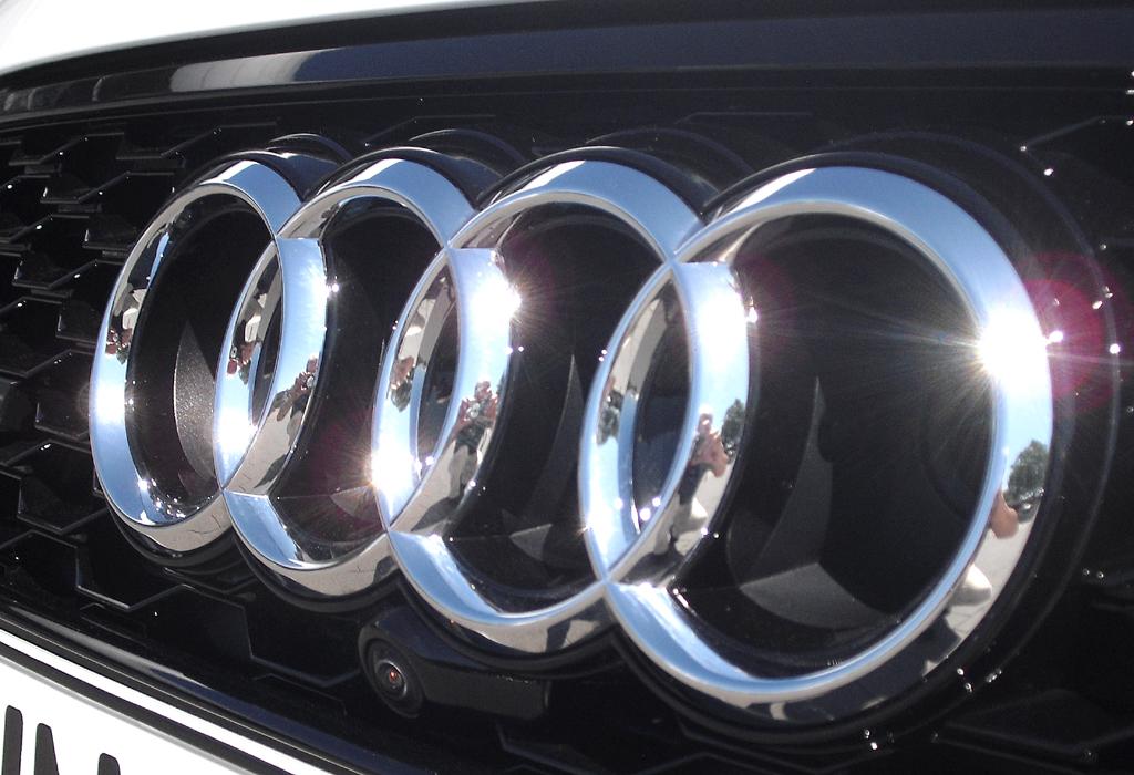 Audi RS7 Sportback: Die vier Markenringe sitzen vorn mittig im oberen Lufteinlass.