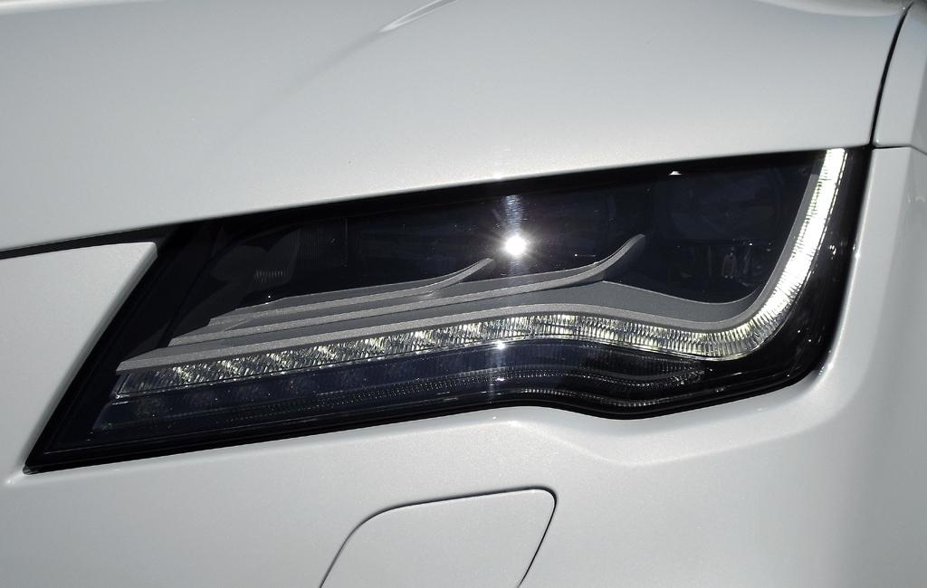Audi RS7 Sportback: Moderne Leuchteinheit vorn.