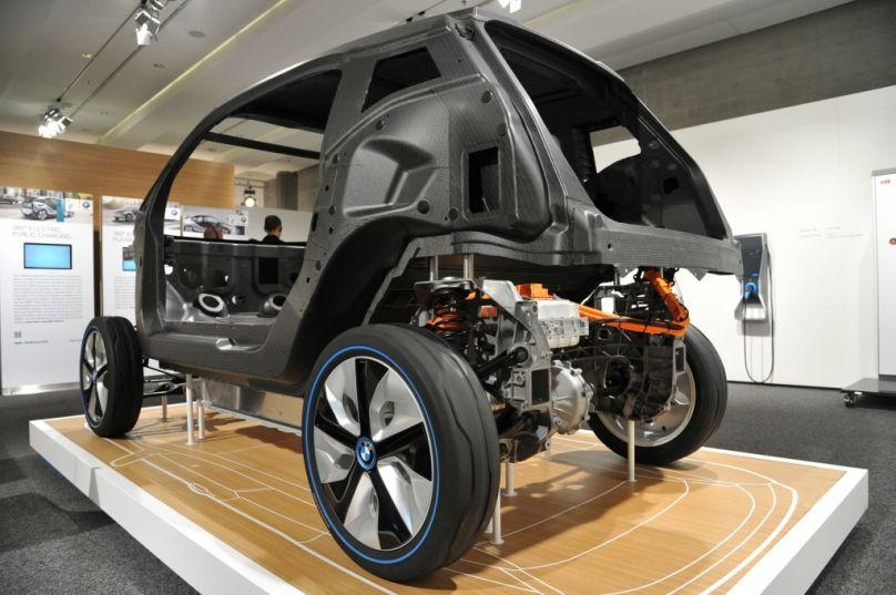 Autonomes Fahren, Autos aus Papier, Elektro-Fahrzeuge: Symposium »Zulieferer Innovativ 2013« schließt erfolgreich