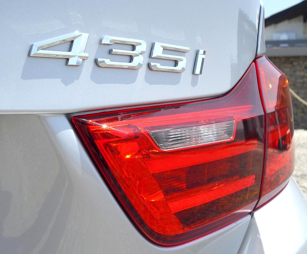 BMW 4er Coupé: Ins Gepäckabteil passen erweiterbare 445 Liter hinein.