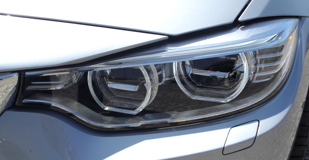 BMW 4er Coupé: Moderne Leuchteinheit vorn.
