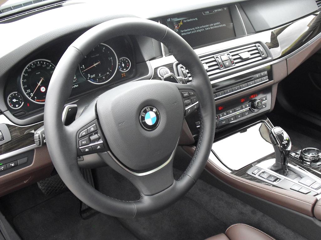 BMW 5er: Blick ins Cockpit.
