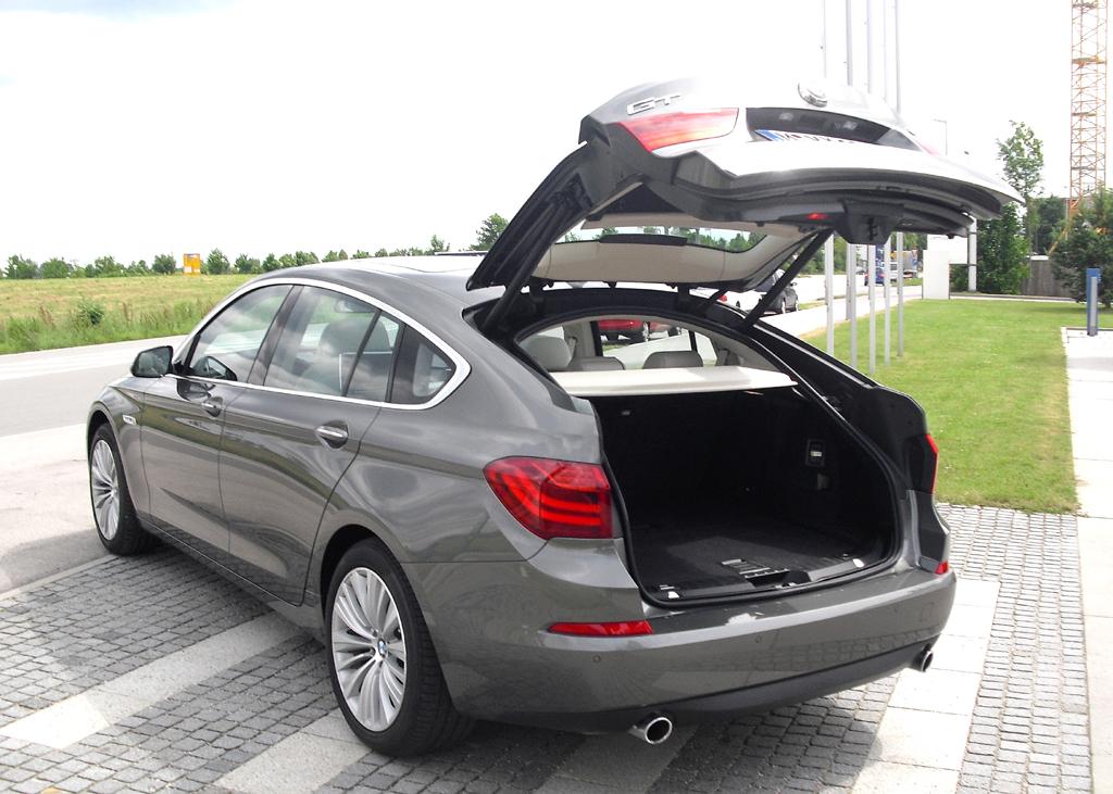 BMW 5er: Mit 500 fasst das Gepäckabteil jetzt gleich 50 Liter mehr.