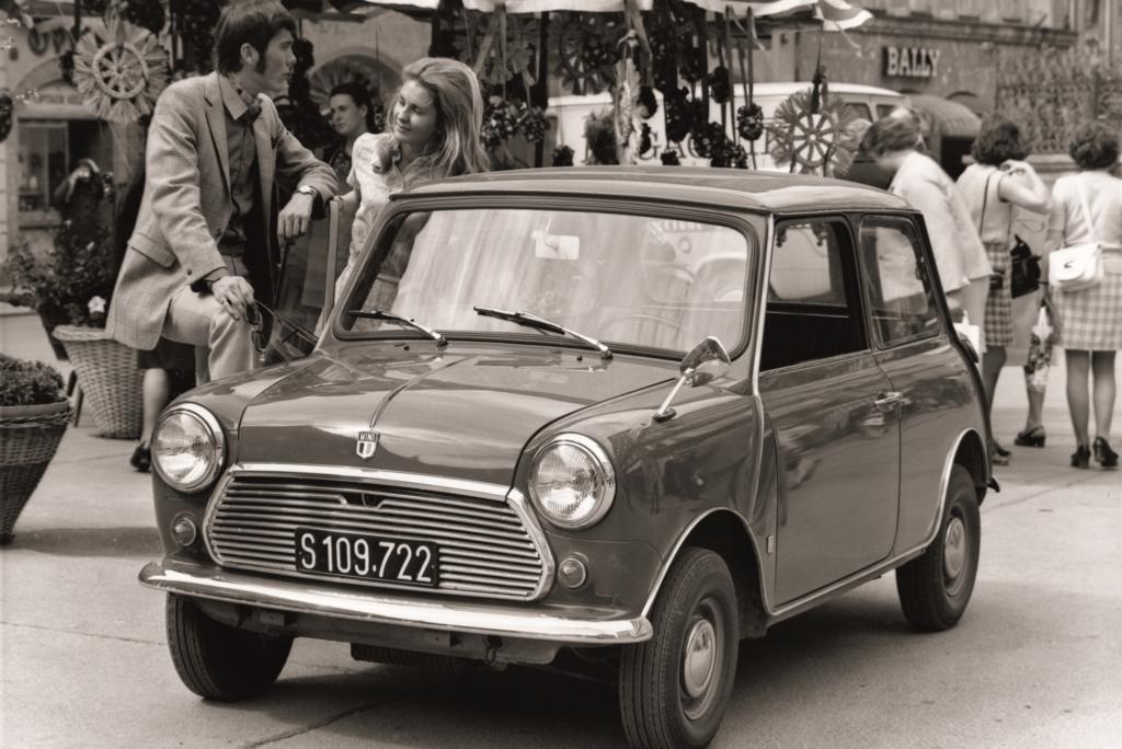 Beim Mini (Preis: 5.450 Mark) lobten die Prüfer, was Mini-Fans heute noch lieben: eine ausgezeichnete Straßenlage