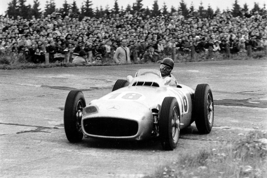 Der Fangio-Silberpfeil wurde am Rand des Festivals versteigert