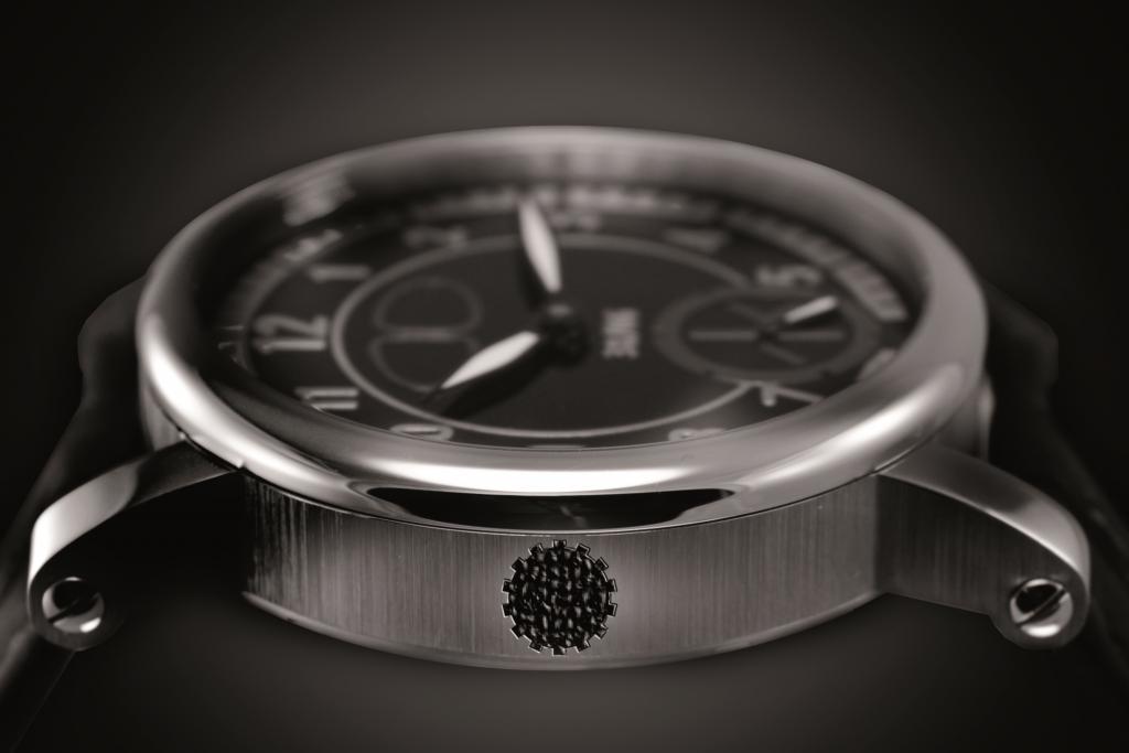 Der Uhrenhersteller Scalfaro hat Originalteile eines VW Käfers aus dem Jahr 1938 in einer Kollektion verarbeitet.