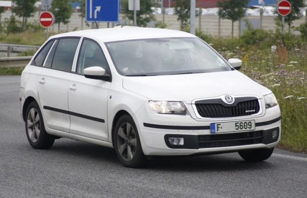 Erwischt: Erlkönig Škoda Rapid Spaceback – Kombi kommt noch 2013!