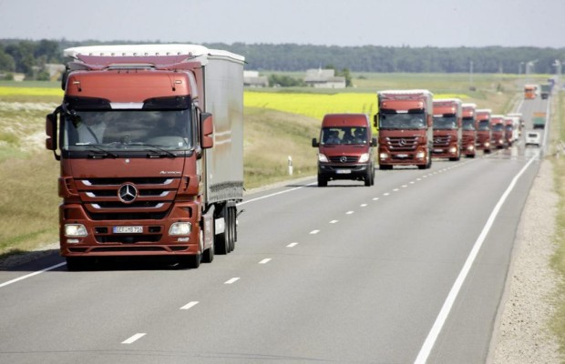 Fahrverbot für Lkw - Samstags gehört die Straße den Urlaubern