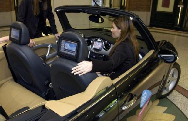 Fernseher im Auto - Für Ruhe auf der Rückbank