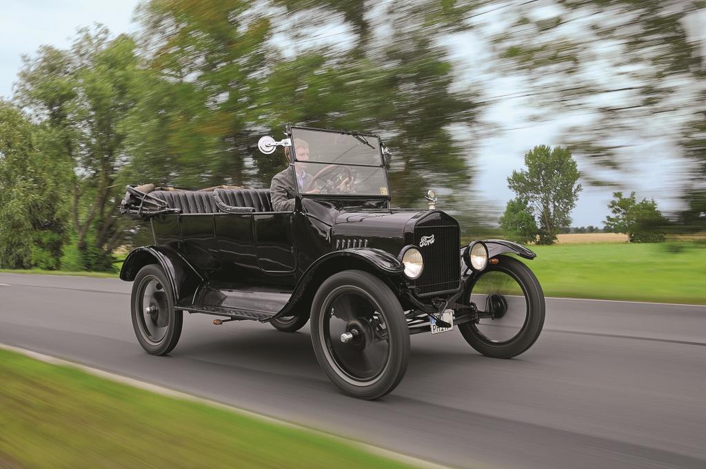 Fords Tin Lizzie gab es ab 1913 zunächst offiziell nur in schwarz