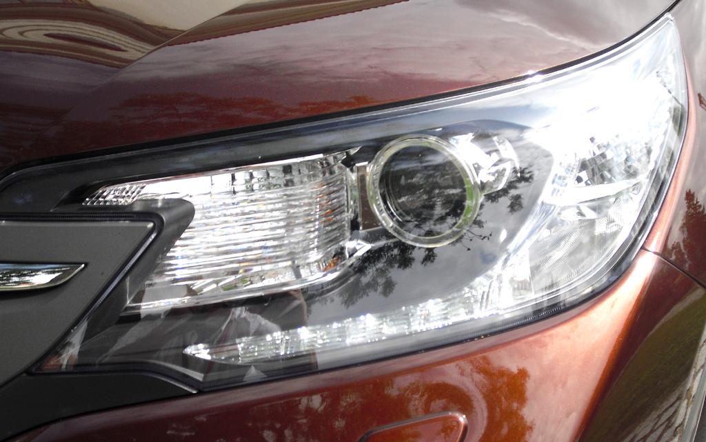 Honda CR-V: Moderne Leuchteinheit vorn.