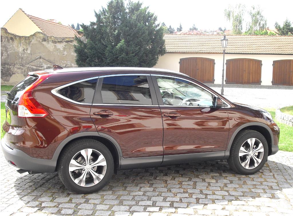 Honda CR-V: Und so sieht das kompakte SUV-Modell der Japaner von der Seite aus.
