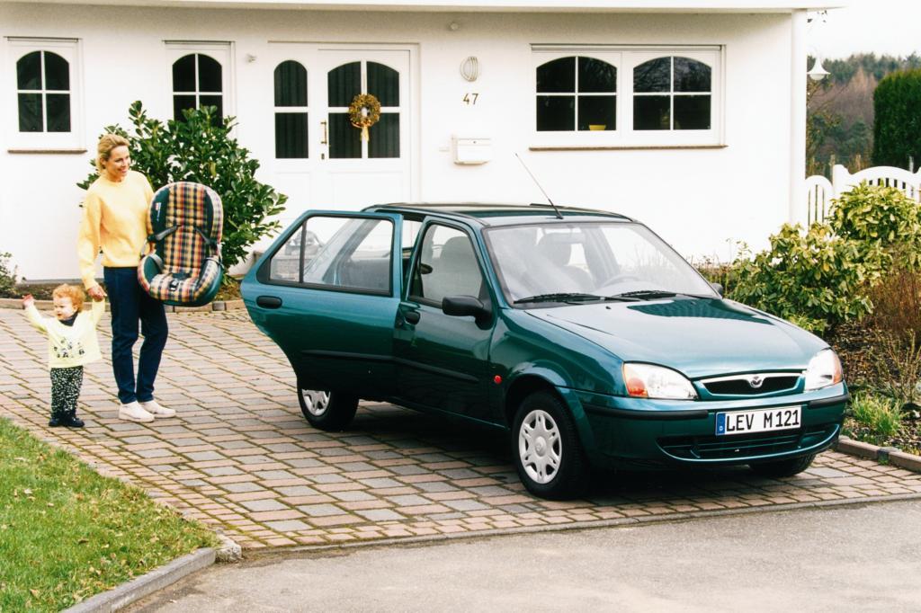 Mazda 121 ab 1999 Schwestermodell des Ford Fiesta
