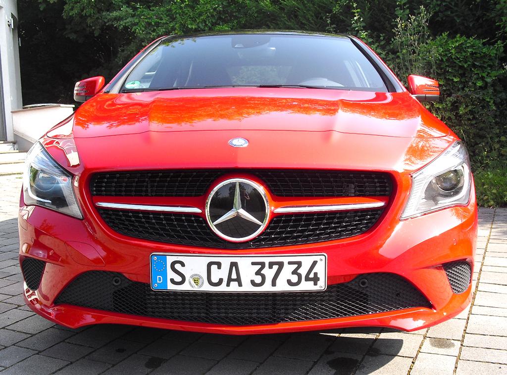 Mercedes CLA: Blick auf die Frontpartie.