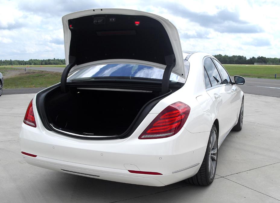Mercedes S-Klasse: Das Gepäckabteil fasst 510/530 Liter.